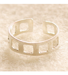 Square Holes Toe Ring in 925 Silver