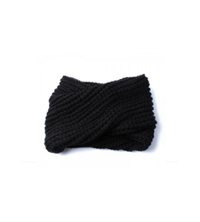 Black Chunky Knitted Loop Scarf Twist Front